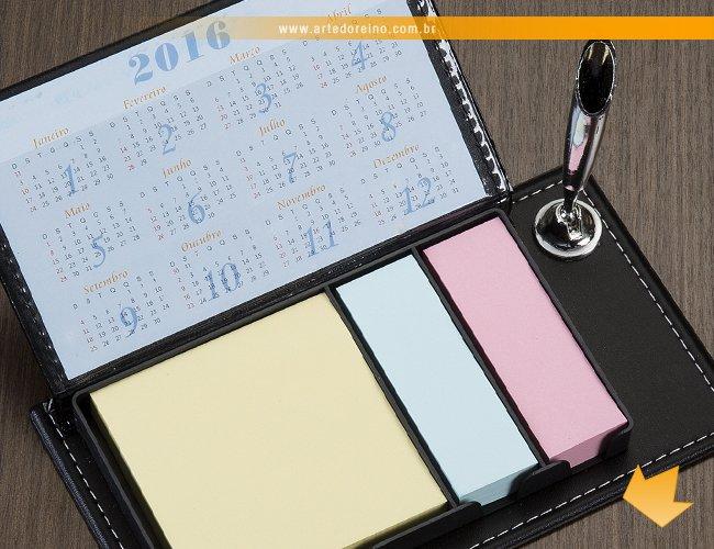 https://www.artedoreino.com.br/content/interfaces/cms/userfiles/produtos/brinde-bloco-de-anotacao-rascunho-em-couro-e-calendario-personalizado-arte-do-reino-brindes-7387-804.jpg