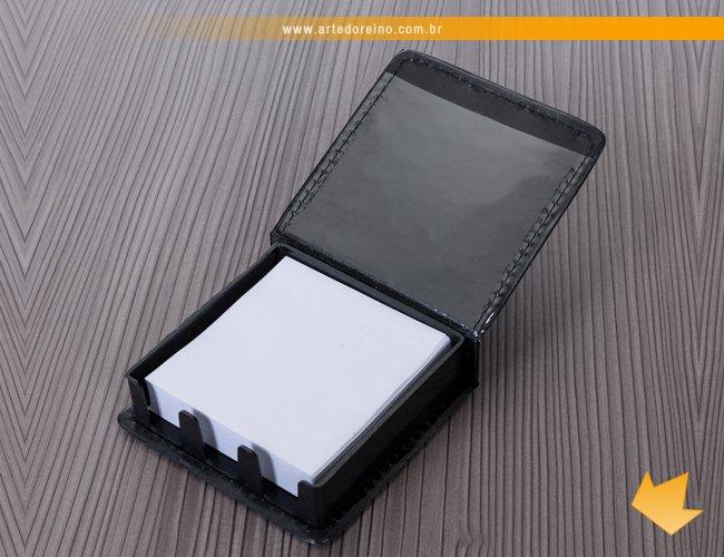 https://www.artedoreino.com.br/content/interfaces/cms/userfiles/produtos/brinde-bloco-de-anotacao-rascunho-em-couro-personalizado-arte-do-reino-brindes-6557-950.jpg