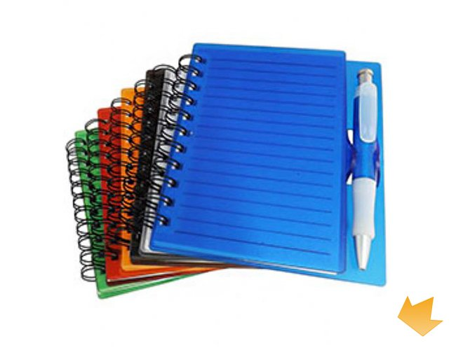 https://www.artedoreino.com.br/content/interfaces/cms/userfiles/produtos/brinde-bloco-de-anotacoes-com-capa-plastica-e-caneta-personalizado-arte-do-reino-brindes-11193-adic-460.jpg