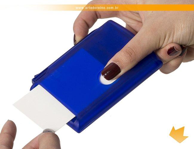 https://www.artedoreino.com.br/content/interfaces/cms/userfiles/produtos/brinde-bloco-de-anotacoes-com-post-it-e-caneta-arte-do-reino-brindes-7555-175.jpg