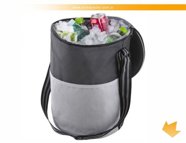 http://www.artedoreino.com.br/content/interfaces/cms/userfiles/produtos/brinde-bolsa-termica-personalizado-arte-do-reino-brindes-13209-770.jpg