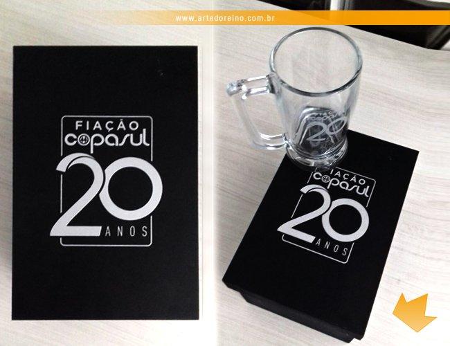 http://www.artedoreino.com.br/content/interfaces/cms/userfiles/produtos/brinde-caixa-mdf-com-caneca-de-chopp-personalizada-taberna-340-ml-arte-do-reino-brindes-59012-452.jpg