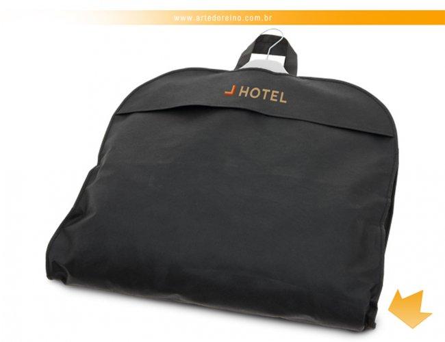 http://www.artedoreino.com.br/content/interfaces/cms/userfiles/produtos/brinde-capa-para-terno-personalizado-arte-do-reino-brindes-58171-03-849.jpg
