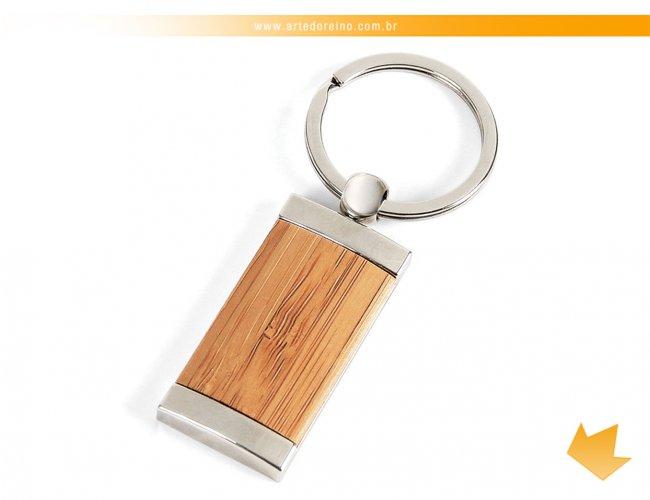 https://www.artedoreino.com.br/content/interfaces/cms/userfiles/produtos/brinde-chaveiro-bambu-personalizado-arte-do-reino-brindes-ch-00333s-848.jpg