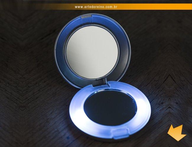 http://www.artedoreino.com.br/content/interfaces/cms/userfiles/produtos/brinde-feminino-espelho-de-bolsa-com-luz-personalizado-arte-do-reino-brindes-1828-971.jpg