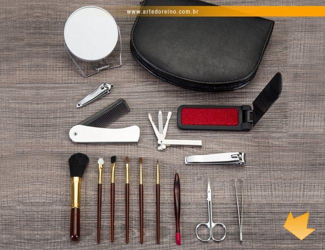 https://www.artedoreino.com.br/content/interfaces/cms/userfiles/produtos/brinde-feminino-kit-manicure-e-pinceis-para-maquiagem-personalizado-arte-do-reino-brindes-127-145.jpg