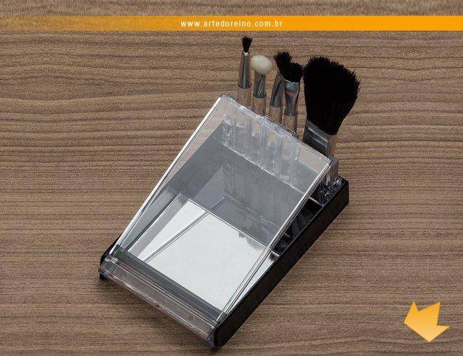 http://www.artedoreino.com.br/content/interfaces/cms/userfiles/produtos/brinde-feminino-kit-pinceis-para-maquiagem-personalizado-arte-do-reino-brindes-774-250.jpg