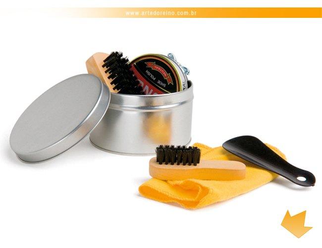 http://www.artedoreino.com.br/content/interfaces/cms/userfiles/produtos/brinde-kit-engraxate-personalizado-arte-do-reino-brindes-98117-44-556.jpg
