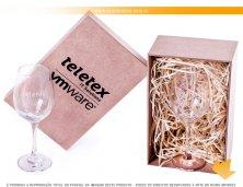 K7156 - Kit Especial em Caixa MDF com Taça Barone para Vinho Personalizadas
