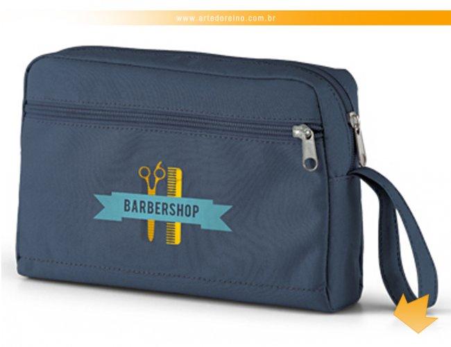 http://www.artedoreino.com.br/content/interfaces/cms/userfiles/produtos/brinde-necessaire-em-nylon-azul-personalizado-arte-do-reino-brindes-92723-04-920.jpg