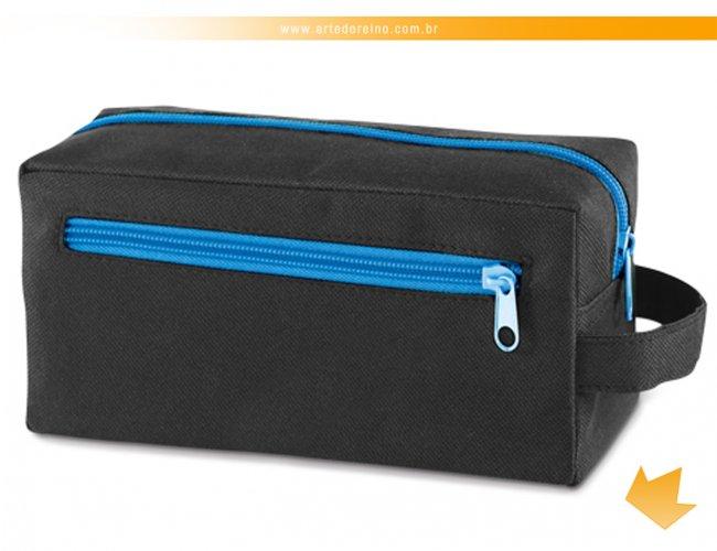 https://www.artedoreino.com.br/content/interfaces/cms/userfiles/produtos/brinde-necessaire-em-nylon-personalizado-arte-do-reino-brindes-92719-14ar-418.jpg