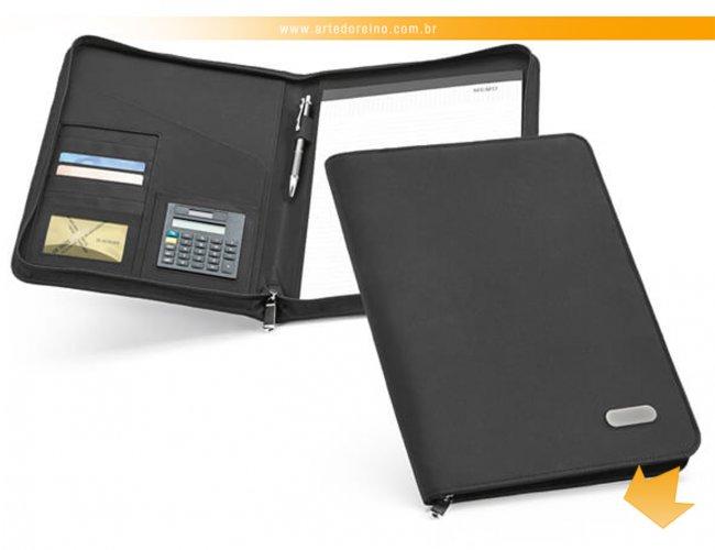 http://www.artedoreino.com.br/content/interfaces/cms/userfiles/produtos/brinde-pasta-de-convencoes-personalizada-arte-do-reino-brindes-92048-03-638.jpg