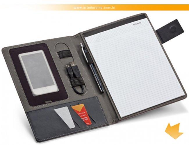 https://www.artedoreino.com.br/content/interfaces/cms/userfiles/produtos/brinde-pasta-de-convencoes-personalizada-arte-do-reino-brindes-92066-220.jpg
