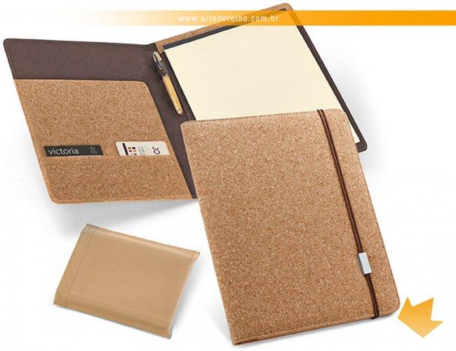 http://www.artedoreino.com.br/content/interfaces/cms/userfiles/produtos/brinde-pasta-de-convencoes-personalizada-arte-do-reino-brindes-92069-60-622.jpg