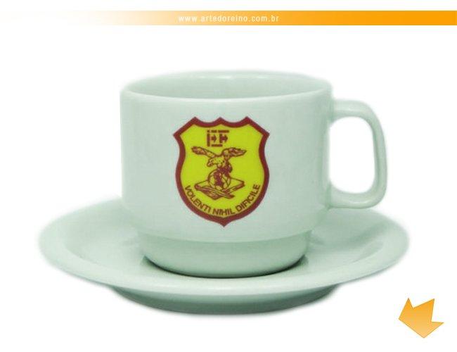 http://www.artedoreino.com.br/content/interfaces/cms/userfiles/produtos/brinde-xicara-personalizada-porcelana-cha-texas-220-ml-arte-do-reino-brindes-660-779.jpg
